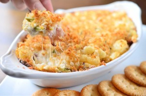 cheesy-jalapeno-bacon-dip-with-tater-tot-crust-1200x795